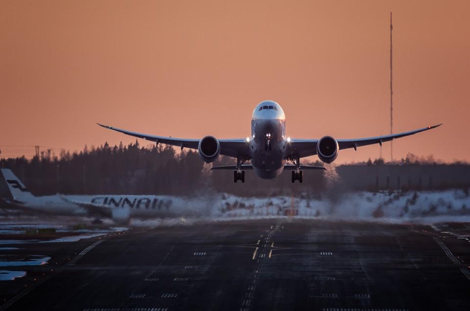 Boeing 787 wingflex vs Airbus A350